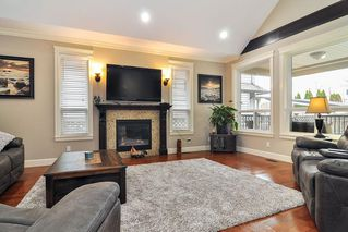 Photo 2: 20433 98A Avenue in Langley: Walnut Grove House for sale : MLS®# R2417842