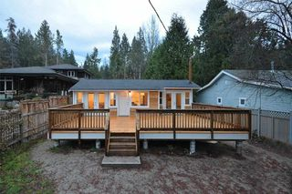 Photo 1: 3242 BEACH Avenue: Roberts Creek House for sale (Sunshine Coast)  : MLS®# R2425988