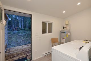 Photo 10: 3242 BEACH Avenue: Roberts Creek House for sale (Sunshine Coast)  : MLS®# R2425988