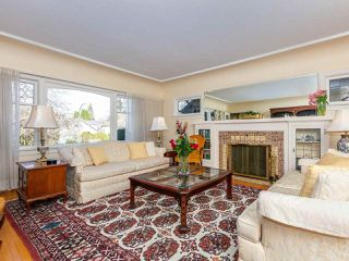 Photo 2: 4430 W 7TH Avenue in Vancouver: Point Grey House for sale (Vancouver West)  : MLS®# R2438306