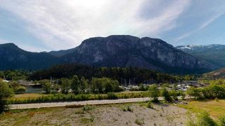 "Photo 4: 510 37881 CLEVELAND Avenue in Squamish: Downtown SQ Condo for sale in ""The Main"" : MLS®# R2454807"