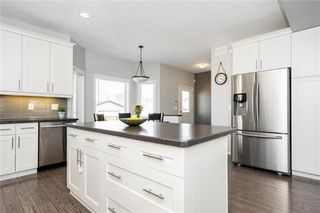 Photo 9: 67 Appleford Gate in Winnipeg: Bridgwater Lakes Residential for sale (1R)  : MLS®# 202010252