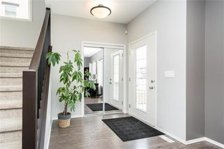 Photo 2: 67 Appleford Gate in Winnipeg: Bridgwater Lakes Residential for sale (1R)  : MLS®# 202010252