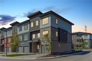 Main Photo: 2101 5305 32 Avenue SW in Calgary: Glenbrook Row/Townhouse for sale : MLS®# C4300801