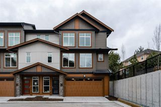 """Photo 2: 34 17033 FRASER Highway in Surrey: Fleetwood Tynehead Townhouse for sale in """"LIBERTY AT FLEETWOOD"""" : MLS®# R2487353"""