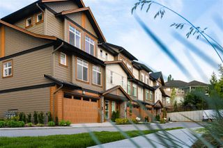 """Photo 1: 34 17033 FRASER Highway in Surrey: Fleetwood Tynehead Townhouse for sale in """"LIBERTY AT FLEETWOOD"""" : MLS®# R2487353"""
