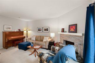Photo 8: 988 Annie St in : SE Quadra Half Duplex for sale (Saanich East)  : MLS®# 855951