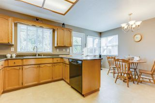 Photo 10: 20347 WALNUT Crescent in Maple Ridge: Southwest Maple Ridge House for sale : MLS®# R2506378