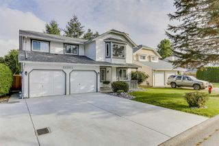 Photo 2: 20347 WALNUT Crescent in Maple Ridge: Southwest Maple Ridge House for sale : MLS®# R2506378