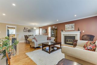 Photo 6: 20347 WALNUT Crescent in Maple Ridge: Southwest Maple Ridge House for sale : MLS®# R2506378