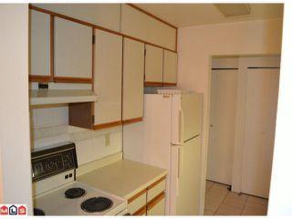 """Photo 7: 101 1460 MARTIN Street: White Rock Condo for sale in """"CAPISTRANO"""" (South Surrey White Rock)  : MLS®# F1205256"""