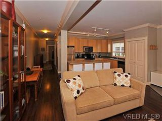 Photo 5: 5 2310 Wark St in VICTORIA: Vi Central Park Row/Townhouse for sale (Victoria)  : MLS®# 567630