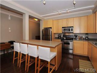 Photo 8: 5 2310 Wark St in VICTORIA: Vi Central Park Row/Townhouse for sale (Victoria)  : MLS®# 567630