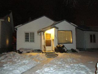 Photo 1: 351 SYDNEY Avenue in Winnipeg: Residential for sale (Canada)  : MLS®# 1203499