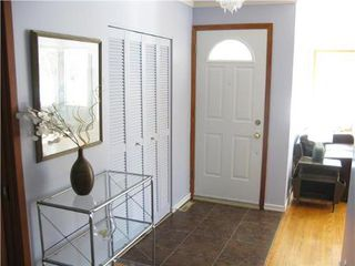 Photo 2: 50 Tunis Bay in Winnipeg: Residential for sale (Canada)  : MLS®# 1203006