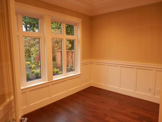 Photo 8: 749 E 11TH Street in North Vancouver: Boulevard House for sale : MLS®# V979177