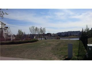 Photo 2: 34 COUNTRY VILLAGE Landing NE in CALGARY: Country Hills Village Townhouse for sale (Calgary)  : MLS®# C3567649