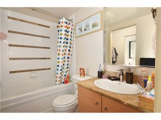 "Photo 10: 2305 928 HOMER Street in Vancouver: Yaletown Condo for sale in ""YALETOWN PARK 1"" (Vancouver West)  : MLS®# V1023790"