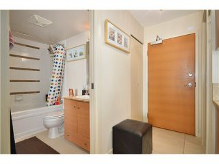 "Photo 5: 2305 928 HOMER Street in Vancouver: Yaletown Condo for sale in ""YALETOWN PARK 1"" (Vancouver West)  : MLS®# V1023790"