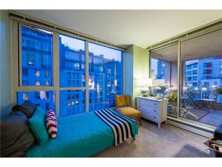 Photo 6: # 702 183 KEEFER PL in Vancouver: Downtown VW Condo for sale (Vancouver West)  : MLS®# V1102479