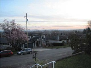 Photo 12: 4247 WINNIFRED ST in Burnaby: South Slope House for sale (Burnaby South)  : MLS®# V1109144