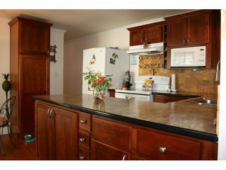 Photo 5: # 103 1840 160 ST in Surrey: King George Corridor House for sale (South Surrey White Rock)  : MLS®# F1441004