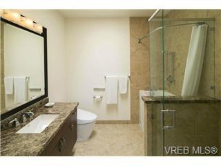 Photo 16: 601 748 Sayward Hill Terrace in Victoria: Cordova Bay Condo for sale : MLS®# 351568