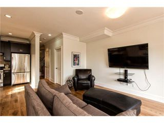 Photo 14: 363 E 8TH ST in North Vancouver: Central Lonsdale Condo for sale : MLS®# V1122028