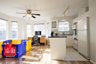 Photo 4: 301 1562 W 5TH AVENUE in Vancouver: False Creek Condo for sale (Vancouver West)  : MLS®# R2041201