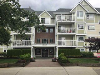 Photo 1: 408 20189 54 AVENUE in Langley: Langley City Condo for sale : MLS®# R2085730