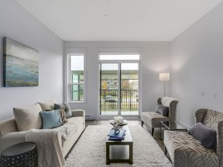 Photo 2: TH37 7039 MACPHERSON AVENUE in Burnaby: Metrotown Townhouse for sale (Burnaby South)  : MLS®# R2127174