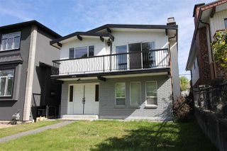 Photo 1: 2731 E 8TH Avenue in Vancouver: Renfrew VE House for sale (Vancouver East)  : MLS®# R2389889