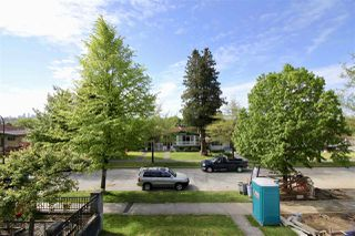 Photo 4: 2731 E 8TH Avenue in Vancouver: Renfrew VE House for sale (Vancouver East)  : MLS®# R2389889