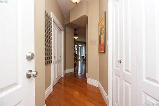 Photo 4: 306 1602 Quadra Street in VICTORIA: Vi Central Park Condo Apartment for sale (Victoria)  : MLS®# 417189