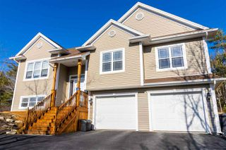 Photo 1: 38 Haliburton Crescent in Stillwater Lake: 21-Kingswood, Haliburton Hills, Hammonds Pl. Residential for sale (Halifax-Dartmouth)  : MLS®# 202003856