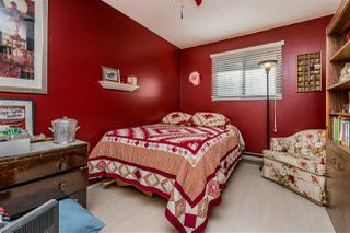 """Photo 16: 1580 LEE Street: White Rock House for sale in """"White Rock"""" (South Surrey White Rock)  : MLS®# R2452357"""