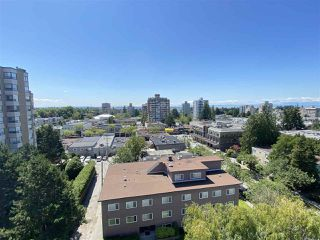 "Main Photo: 1004 2165 W 40TH Avenue in Vancouver: Kerrisdale Condo for sale in ""THE VERONICA"" (Vancouver West)  : MLS®# R2473617"