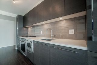 "Photo 8: 1806 6658 DOW Avenue in Burnaby: Metrotown Condo for sale in ""MODA"" (Burnaby South)  : MLS®# R2476384"