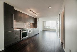 "Photo 5: 1806 6658 DOW Avenue in Burnaby: Metrotown Condo for sale in ""MODA"" (Burnaby South)  : MLS®# R2476384"
