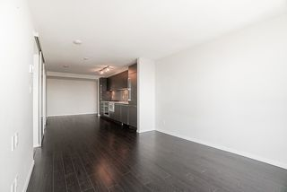 "Photo 11: 1806 6658 DOW Avenue in Burnaby: Metrotown Condo for sale in ""MODA"" (Burnaby South)  : MLS®# R2476384"