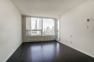 "Photo 10: 1806 6658 DOW Avenue in Burnaby: Metrotown Condo for sale in ""MODA"" (Burnaby South)  : MLS®# R2476384"