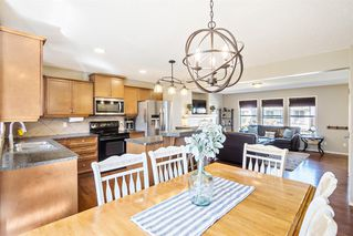 Photo 9: 744 PRESTWICK Circle SE in Calgary: McKenzie Towne Detached for sale : MLS®# A1024986