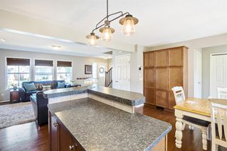 Photo 8: 744 PRESTWICK Circle SE in Calgary: McKenzie Towne Detached for sale : MLS®# A1024986