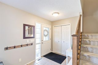 Photo 3: 744 PRESTWICK Circle SE in Calgary: McKenzie Towne Detached for sale : MLS®# A1024986