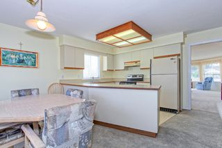 Photo 6: 21908 Harkness Court in Maple Ridge: Home for sale : MLS®# R2104725