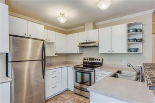 Photo 7: 102 1025 Meares St in : Vi Downtown Condo for sale (Victoria)  : MLS®# 858477