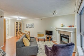 Photo 12: 102 1025 Meares St in : Vi Downtown Condo for sale (Victoria)  : MLS®# 858477