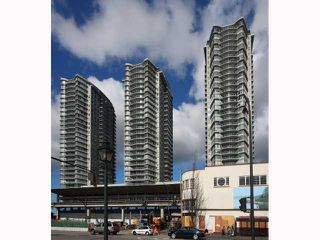 """Photo 1: 2307 892 CARNARVON Street in New Westminster: Downtown NW Condo for sale in """"Azure II"""" : MLS®# V937775"""