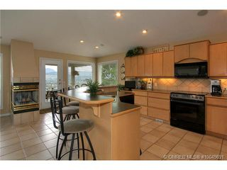 Photo 2: 2220 Waddington Court in Kelowna: Residential Detached for sale : MLS®# 10049691