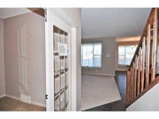Photo 2: 105 VALLEYVIEW Court SE in CALGARY: West Dover Residential Detached Single Family for sale (Calgary)  : MLS®# C3536105